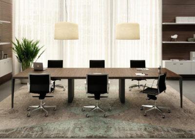X9 : table de réunion avec caissons techniques